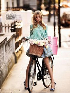 bike riding in the city - for more inspiration visit http://pinterest.com/franpestel/boards/