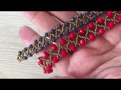 Making Bracelets With Beads, Bracelet Making, Crochet Beaded Bracelets, Beaded Jewelry Designs, Jewelry Model, Silver Bangle Bracelets, Bracelet Tutorial, Metal Beads, Crystal Beads