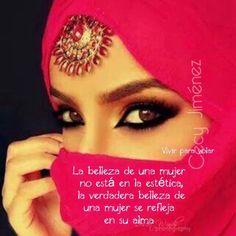 La belleza de una mujer no está en la estética, la verdadera belleza de una mujer se refleja en su alma. ♥️