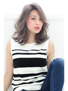 felicita岡本店 【フェリシータ】 大人ラフミディアム#外国人風抜け感ベージュ! Japanese Hairstyle, Perm, Tank Tops, Hair Styles, Women, Fashion, Simple, Hair Plait Styles, Moda