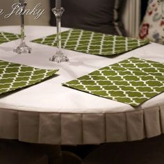 BROADVIEW HEIGHTS: Pleated semi-fitted tablecloth