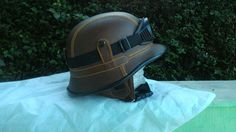 Ready helm klasik Cek di www.octobersco.com Order di Whatsapp : 0877 3940 7143