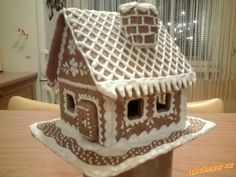 perníková chaloupka - Gingerbread house Christmas Gingerbread House, Christmas Diy, Xmas, Gingerbread Houses, Ginger House, 3d Shapes, Cookie Decorating, Sugar Cookies, Ginger Bread