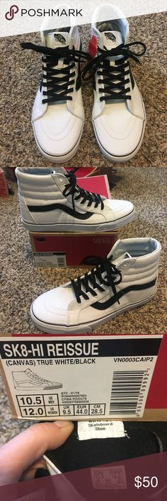 a6c770a0424313 Vans Sk8-Hi top canvas True White  amp  Black Never worn! Comes with