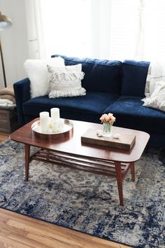 3 ways to style a coffee table, living room decor idea, interior design, boho furniture, anthropologie pillows