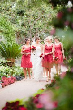 style me pretty - real wedding - usa - california - corona del mar wedding - sherman library & gardens - bride & bridesmaids - bridal bouquet & bridesmaids bouquets