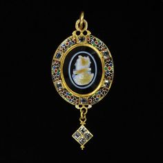 England, Great Britain (made) V Date: ca. 1600 (made) ca. 1860 (altered) Artist/Maker: unknown (production) Materials and Techniques: Gold, enamel, diamonds and a layered agate (sardonyx) cameo
