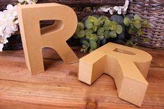 """Γράμμα """"R"""" Papier Mache  Γράμμα """"R"""" papier mache.Xρησιμοποιήστε τα ως έχουν, ή διακοσμήστε τα με όποια τεχνική θέλετε. Κολλήστε Washi Tapes, διακοσμήστε με σφραγίδες ή ζωγραφίστε τα, συνδυάστε μικρά ξύλινα ή μεταλλικά διακοσμητικά στοιχεία, κορδέλες, κορδόνια και ότι άλλο μπορείτε να φανταστείτε. Ιδανικά και ως βάση για Ντεκουπάζ. Washi"""