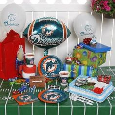 NFL Miami Dolphins Birthday Party Kit (96-Piece)