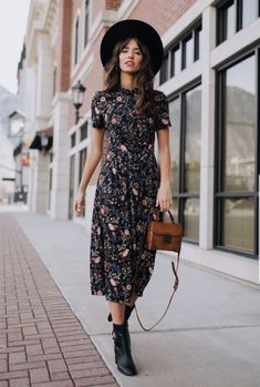 Dresses, Skirts, Coats, Tops and Bottoms made for you and handpicked to be comfortable and stylish. Stylish Outfits, Cool Outfits, Summer Outfits, Boho Fashion, Fashion Dresses, Outfits For Mexico, Dress Skirt, Dress Up, Garden Dress