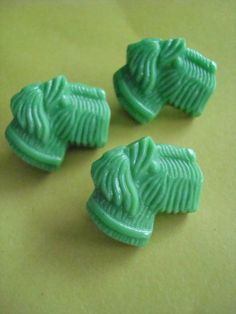 Green Scottie Vintage Glass Buttons by PieceofPeace on Etsy