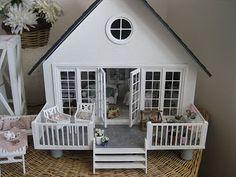 .miniature
