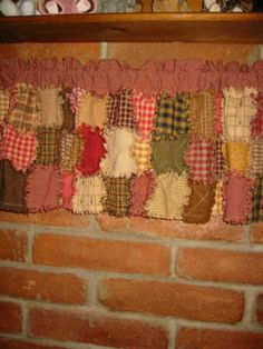 Rag Quilted Valance pattern ~ Cover your windows in this wonderfully primitive style. CUTE!