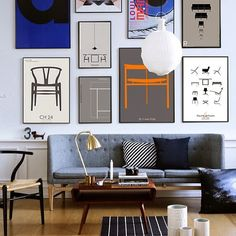 Nordic living room with a wall art masterpiece. Note for myself: frame a picture of the lounge chair.