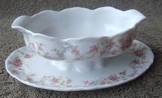 Hutschenreuther 1814 Racine Richelieu Germany China Gravy Boat Attached Plate #Hutschenreuther