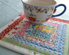 Quilted Mug Rugs Patterns | Quilted Log Cabin Mug Rug Snack Mat Mini Quilt ...