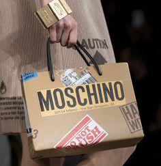 #мода #стиль #fashion #bags #сумки #аксессуары #модныедетали #DolceGabbana #Moschino #Versace #mypositivestyles #myps