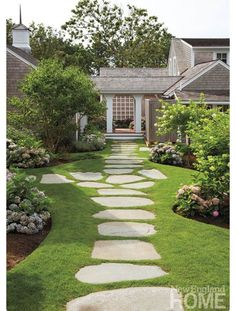 Value - New England Home Magazine Landscape architect David Hawk planted lush perennial beds along a meandering bluestone path.Landscape architect David Hawk planted lush perennial beds along a meandering bluestone path. Stepping Stone Pathway, Flagstone Walkway, Outdoor Walkway, Stone Paths, Slate Walkway, Rock Walkway, Bluestone Paving, Mosaic Walkway, Paver Sand