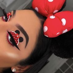 Super creative makeup looks that marilyn and i love. See more ideas about Makeup, Creative makeup an Makeup Eye Looks, Eye Makeup Art, Colorful Eye Makeup, Crazy Makeup, Cute Makeup, Gorgeous Makeup, Pretty Makeup, Makeup Inspo, Eyeshadow Makeup