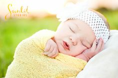 Outdoor Newborn Photos, Baby Girl Photos, Natural Newborn Photography