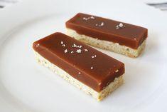 Salted Caramel Shortbread : http://www.lottieanddoof.com/2013/03/la-vegas-salted-caramel-shortbread/