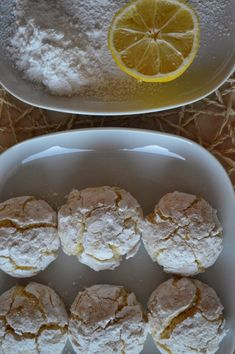 Do puntíku: Kokosovo citronové crinkles Low Carb Desserts, Low Carb Recipes, Healthy Recipes, Low Carb Lunch, Low Carb Breakfast, Low Carb Brasil, Carb Day, Low Carb Bread, Something Sweet