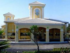 Orlando (FL) Quality Inn Maingate West United States, North America The 2-star Quality Inn Maingate West offers comfort and convenience whether you're on business or holiday in Orlando (FL). The hotel offers a high standard of service and amenities to suit the individual needs of all travelers. All the necessary facilities, including free Wi-Fi in all rooms, 24-hour front desk, facilities for disabled guests, business center, family room, are at hand. Air conditioning, televis...