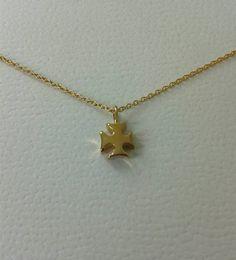 Mira este artículo en mi tienda de Etsy: https://www.etsy.com/es/listing/285781677/14-kt-solid-gold-mini-cross-necklace-14