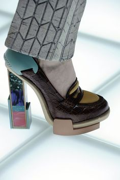 Balenciaga Fall 2010 RTW mix geometric and croc leather heels l wantering.com