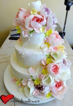 https://www.facebook.com/Ciupakabra.cakes/photos/a.151635968198932.26296.138658532830009/879603955402126/?type=3