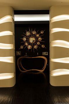 Find Boca Do Lobo at new amazing project by Vision Apartment for Daniel Burlacescu in #Warsaw #interiordesign #modern  BOCA DO LOBO Apollo mirror - http://www.bocadolobo.com/en/soho-collection/mirrors/apollo/index.php  Boca do Lobo Infinity console-http://www.bocadolobo.com/en/coolors-collection/consoles/infinity/index.php