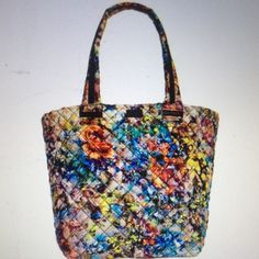"Floral Steve Madden quilted active tote NWT Floral Steve Madden broverr quilted active tote. Nylon, double shoulder straps with 8"" drop, too zip closure, 1 front slip pocket, interior has 1 zip pocket and 1 slip pocket. 11.5""W X 12""H X 8""D. NWT Steve Madden Bags Totes"