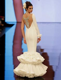 Minimal Classic, Classic Looks, 40s Hairstyles, Spanish Fashion, Love Hat, Dream Wedding Dresses, Fishtail, Mermaid, Prom