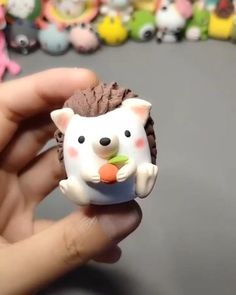 Polymer Clay Animals, Polymer Clay Charms, Diy Hedgehog Toys, Clay Crafts For Kids, Fondant Animals, Clay Art Projects, Fondant Cake Toppers, Cute Clay, Painted Cakes