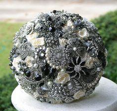 Brooch bouquet