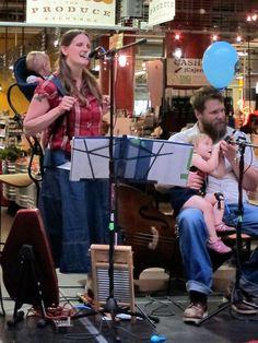 Roe Family Singers  http://pratfallsofparenting.com/wp-content/uploads/2012/09/roes_midtown.jpg