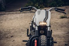 One Track Mind: a killer custom 2014 Triumph Thruxton 900 by Onehandmade