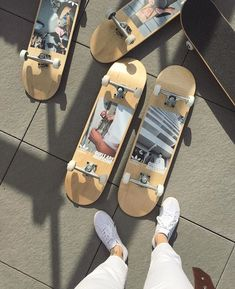 You are in the right place about Skateboarding aesthetic Here we offer you the most beautiful pictures about the … Skateboard Deck Art, Penny Skateboard, Skateboard Design, Skates, Photowall Ideas, Skate Girl, Skater Boys, Cool Skateboards, Skate Decks