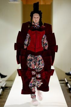 Comme des Garçons, Look #13 Really?  What are you thinking?  Waste of time and space!!!