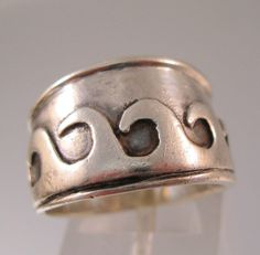 $22.00 Sterling Silver Wave Band Ring Size 7.5 Unisex Vintage Jewelry Jewellery by BrightEyesTreasures on Etsy