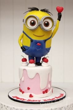 Despicable me cake Minion Cake birthday party kids adult unisex cupcake popcake boys and girl