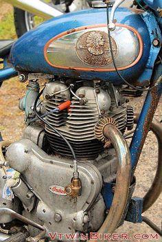 oh Indian. Motor looks like a Royal Enfield Interceptor. Vintage Indian Motorcycles, Antique Motorcycles, Vintage Bicycles, Triumph Motorcycles, American Motorcycles, Harley Davidson, Ducati, Bobber, Motocross