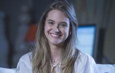 Quem é quem em 'Além do Horizonte' - Yahoo TV.´´Alice - Juliana Paiva´´, jovem mimada que decide após dez anos do desaparecimento do pai irá busca-lo ao ler uma carta deixada por ele Luis Carlos ´´Antônio Calloni´´ .