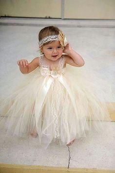 Vestido de tul para bautizo, presentacion o gala, nina.