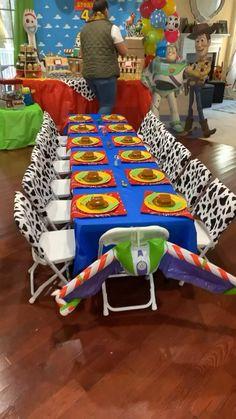 Toy Story Birthday Cake, 2nd Birthday Party Themes, Second Birthday Ideas, Baby 1st Birthday, Boy Birthday Parties, Birthday Decorations, Toy Story Decorations, Birthday Table, Fête Toy Story