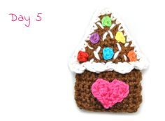 Day 5 of our Advent CAL brings us something yummy: this little candy house is to die for! Make your own by using our free crochet pattern!