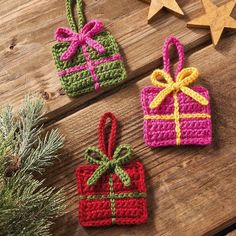 There is no better gift than a handmade one. Include these for decs, gift …, Crochet Amigurumi Reindeer – Free & Easy Guide – Crochet – Instructions – … – – Great crochet patterns for Christmas gifts Get the instructions and start working DIY Crochet Christmas Decorations, Crochet Christmas Ornaments, Crochet Decoration, Christmas Knitting, Christmas Stocking, Free Christmas Crochet Patterns, Christmas Tree Advent Calendar, Crochet Garland, Crochet Snowflakes