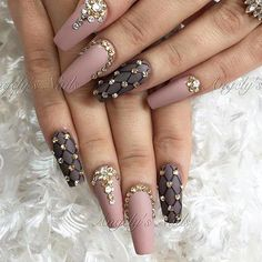 890 отметок «Нравится», 4 комментариев — NAIL INSPO (@theglitternail) в Instagram: «: Picture and Nail Design by •• @angely_nails •• ❤️Follow @angely_nails for more gorgeous nail…»