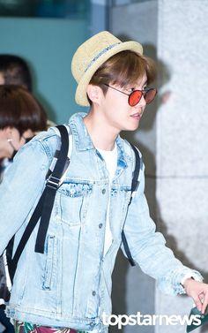 J-Hope ❤ Incheon Airport #BTS #방탄소년단