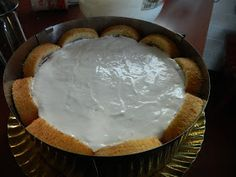 Bucataria casei noastre: Tort coronita ( din rulada cu dulceata de capsuni si crema de branza) Pie, Desserts, Food, Torte, Tailgate Desserts, Cake, Deserts, Fruit Cakes, Essen